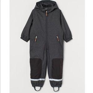 H&M waterproof snowsuit size 4-5 Y